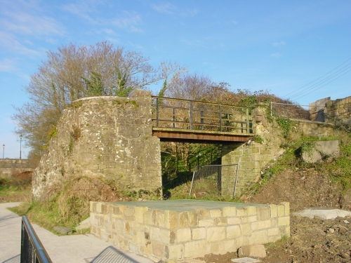 Footbridge over former railway line to Killaloe (Ballina)
