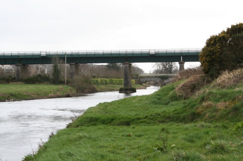 The railway bridge and the aqueduct