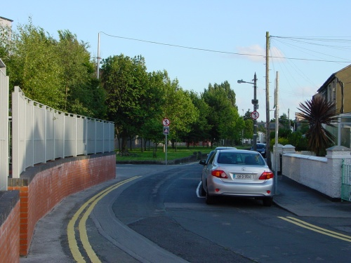 The west bank at the junction: Royal Canal Bank (looking south)