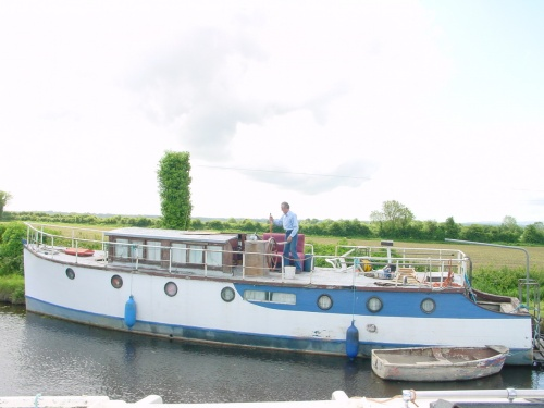 Fortuna at Lock 22 on the Grand Canal