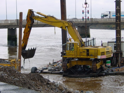 Dredging the channel below the sealock in Limerick