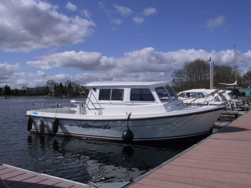 Environmental Protection Agency workboat at Quigleys Marina in Athlone 2008 (copyright Tina of Wasserrausch)