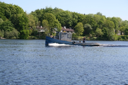 The ESB tug heads for Killaloe