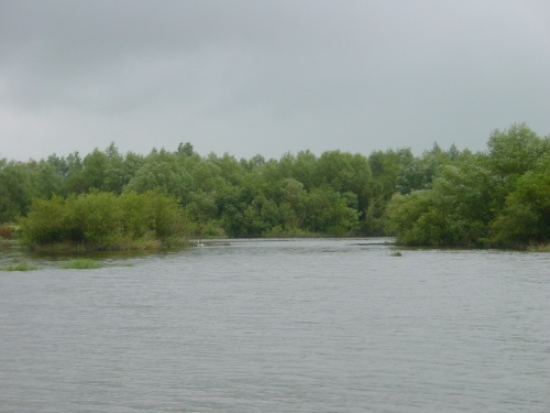 Islands to the north of the boatstream