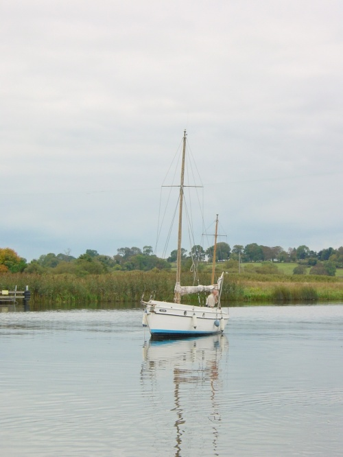 Ketch below Portumna