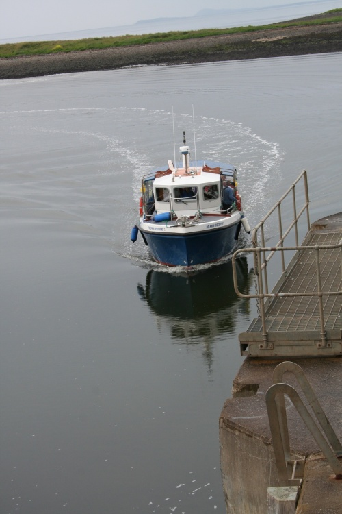 Dolphin Discovery II approaching the lock 2