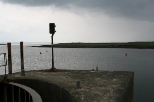 Navigation marks immediately outside the lock