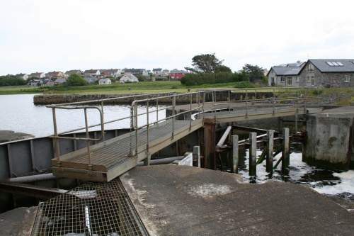 Lock full; gates almost ready to open