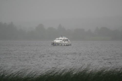 Carrickcraft cruiser aground