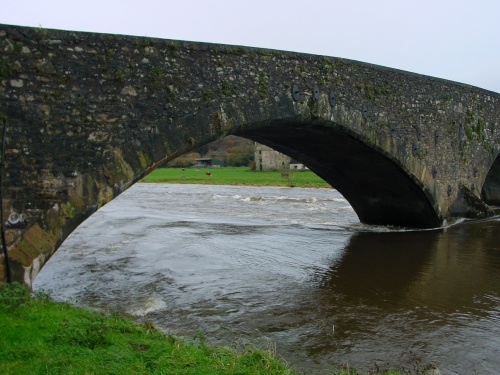 Looking downstream through the navigation arch (2006)