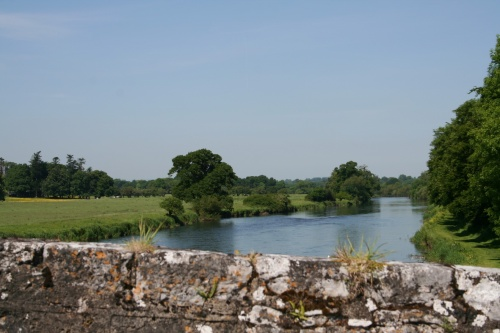 Looking upstream from Kilsheelan Bridge (2009)