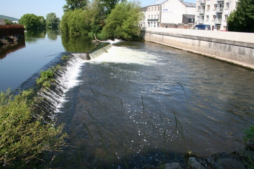 The weir seen from the bridge (2009)