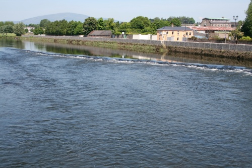 The weir in Carrick 1 (2009)
