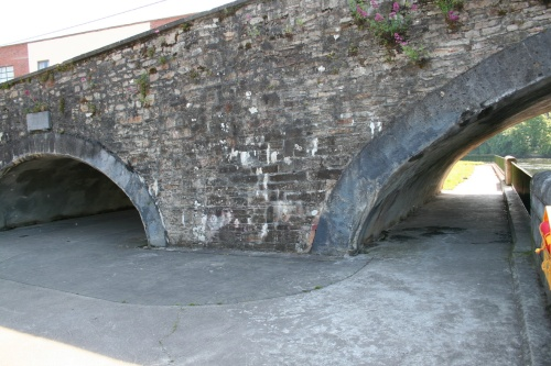 The towing-path arch (2009)