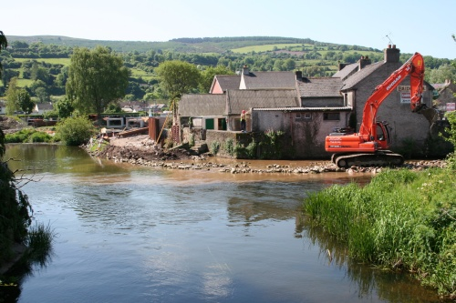 The two channels meet, with flood defence work going on (2009)