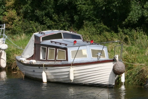 Elegant small boat with proper ventilators