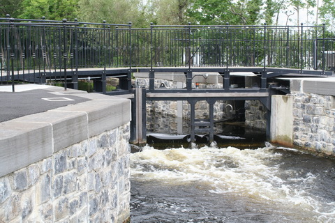 Killaloe flash-lock June 2012_resize