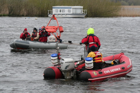 Kilkenny Civil Defence training session on the Shannon