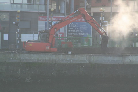 L & M Keating working on Limerick Boardwalkl January 2013 01_resize