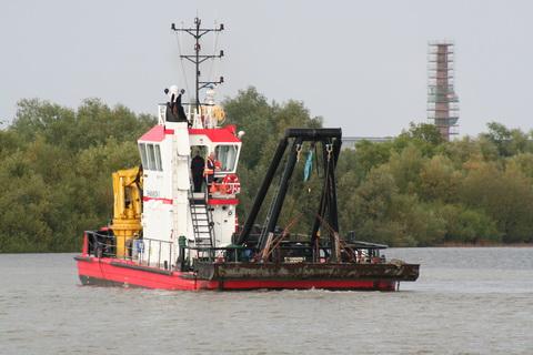 Limerick Port dredger Shannon I 4_resize
