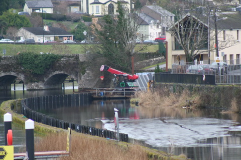 Pontoon (L&M Keating Ltd) building the flash lock at Killaloe January 2011