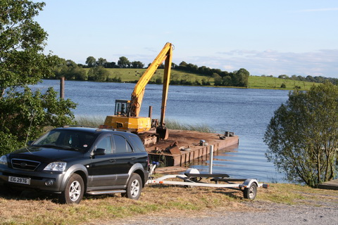 Pontoon with excavator at Watermill restaurant on Erne_resize