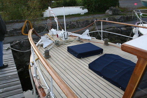 Unidentified wooden boat at Killinure 1 11_resize