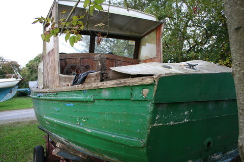 Unidentified wooden boat at Killinure 2 03_resize