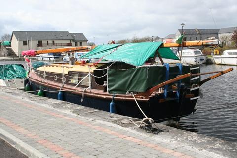 Unidentified wooden sailing boat Richmond Harbour April 2011 1_resize