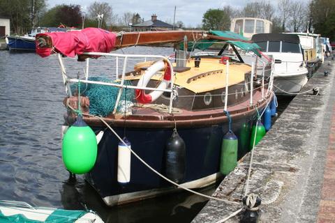 Unidentified wooden sailing boat Richmond Harbour April 2011 3_resize