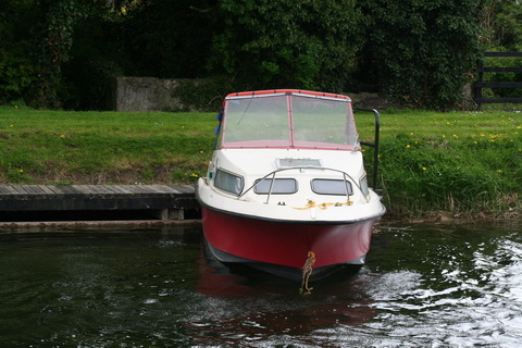 Small boat at Robertstown_resize