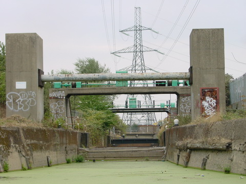 Carpenters Road Lock in 2003