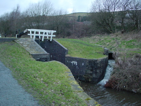 Byewash on the Huddersfield Narrow Canal (E) at Marsden