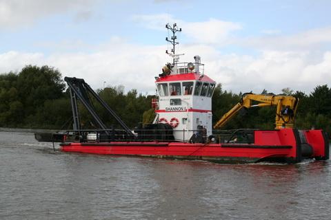 Limerick Port dredger Shannon I 11_resize