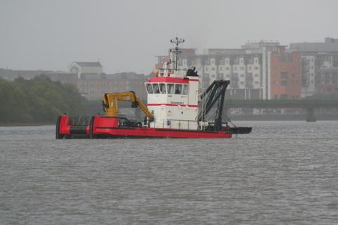 Limerick Port dredger Shannon I 1_resize