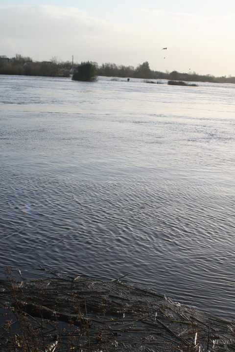 Floods 20151208 O'Briensbridge 10_resize