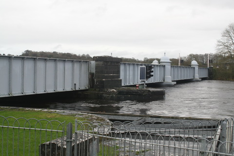 Floods 20151208 Portumna bridge 03_resize